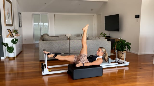 45min full body reformer with box - abs and arms focus