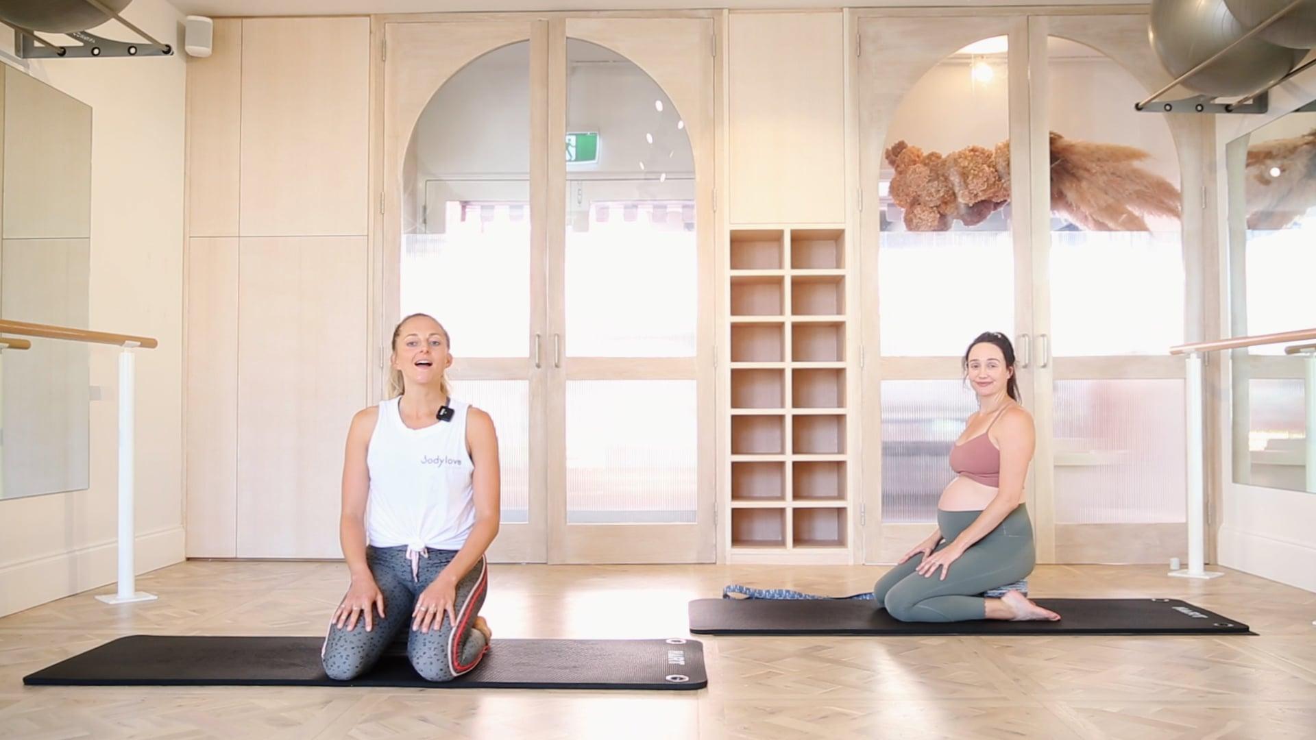 18 Mins - Yoga , Strap (Prenatal)