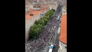 Enorme corteo contro il Green Pass a Trieste