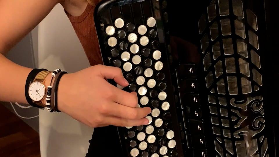 Angélique Serna, l'étoile montante de l'accordéon