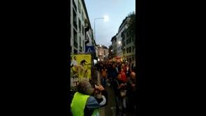 Protesta contro il Green Pass, il corteo a Milano