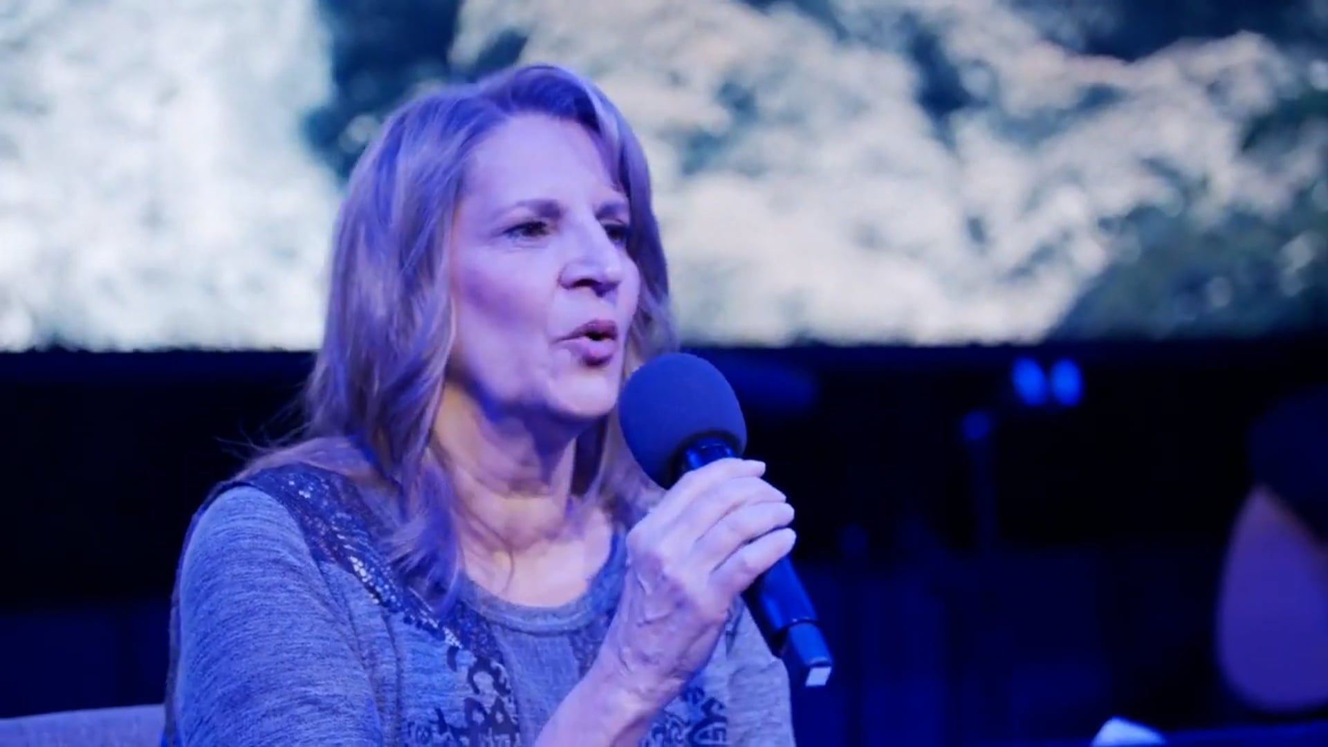 Live Acoustic Worship with Julie Meyer