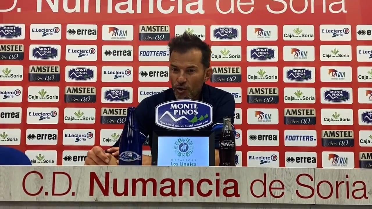 DANI ASO (Entrenador Huesca B) CD Numancia 3-1 SD Huesca B / J 6 / 2ª RFEF - Gr 3 / Fuente Twitter Huesca B
