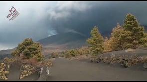 Fulmini vulcanici sopra il Cumbre Vieja a La Palma