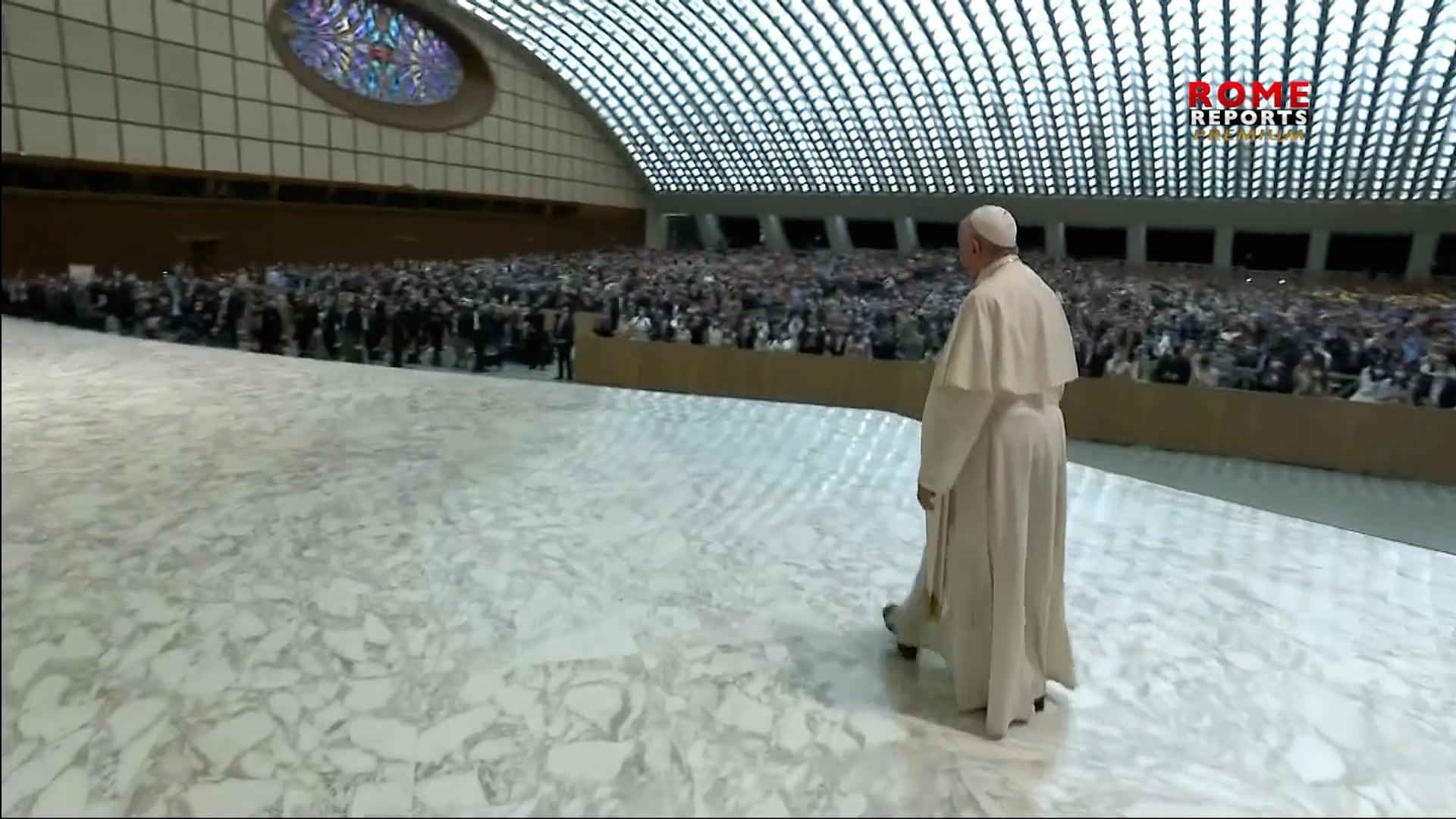 Papa: Si hablamos de la fe como en el pasado no llegaremos a nuevas generaciones
