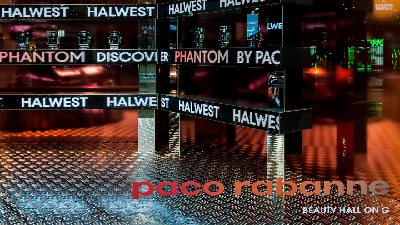Interactive LED Tickers Paco Rabanne a Selfridges