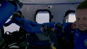 Blue Origin: l'equipaggio NS-18 incollato ai finestrini di New Shepard per vedere la Terra dallo Spazio