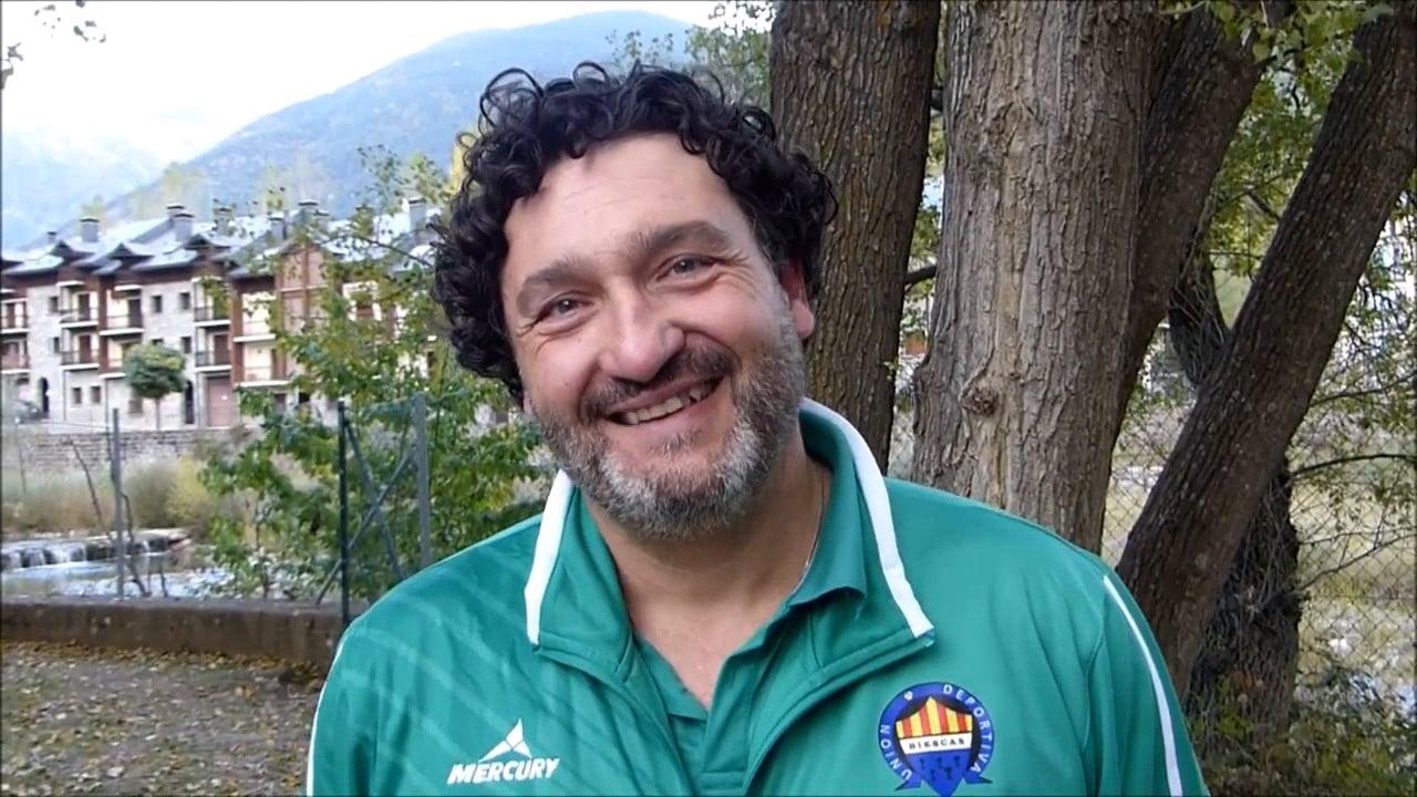 MIGUEL GARCÍA (Entrenador Biescas) UD Biescas 2-2 CD Binéfar / Jornada 7 / 3ª División / Fuente Deporte Cantera Sabiñánigo