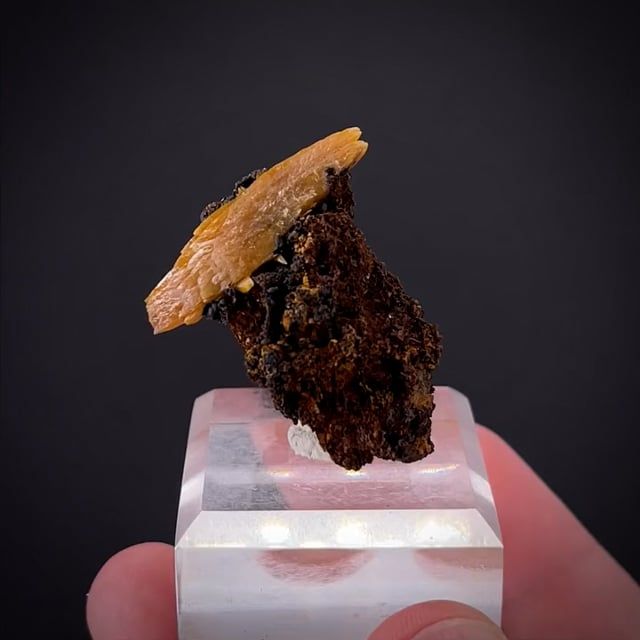 Wulfenite (large bipyramidal crystal)