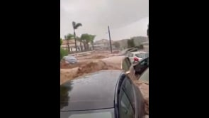 Maltempo in Sicilia, la furia dell'acqua trascina decine di auto a Scordia: ci sono dispersi