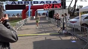 Carles Montllor vola i bat el rècord de la Marató d'Empúries
