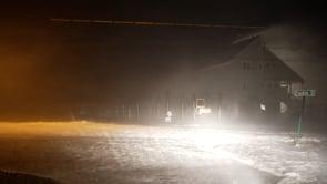 Ciclone Nor'easter sulle coste del Massachusetts, onde alte e acqua al di sopra delle case