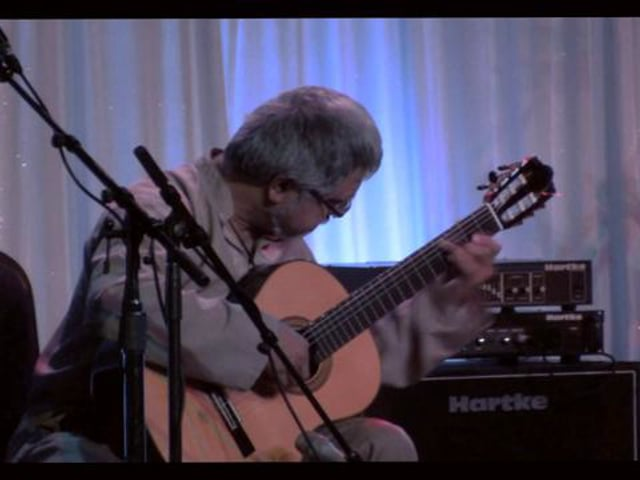 """Fareed Haque plays """"La Rose"""" by Mauro Giuliani (Op. 46, No. 9) on the Alhambra Luthier India"""