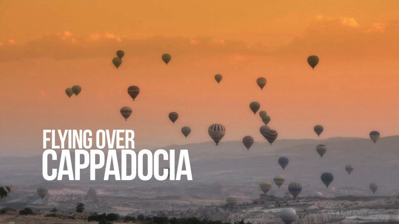 Flying over Cappadocia / Vol au dessus de la Cappadoce en Montgolfère