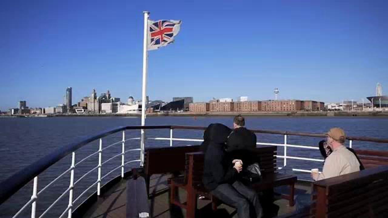 Liverpool Waterfront & City Landmarks