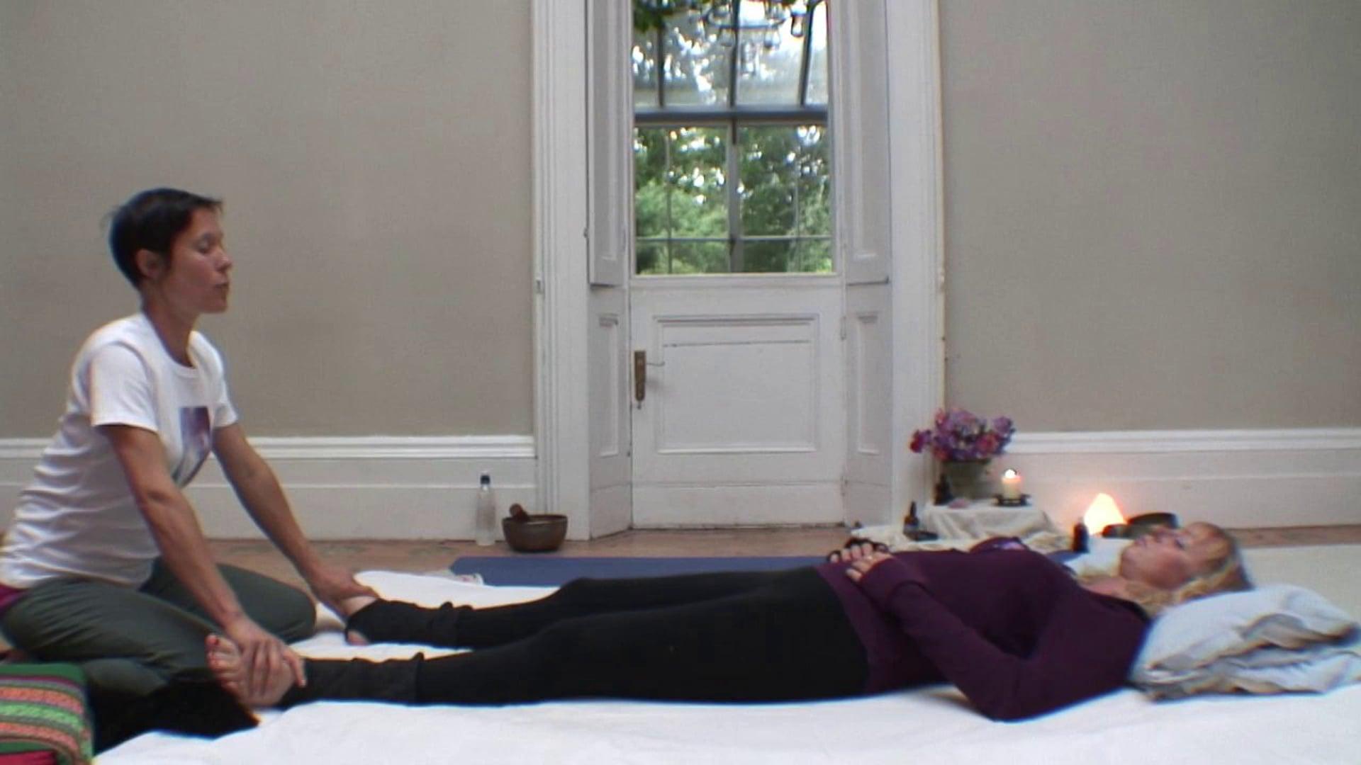 Bodywisdom Thai Massage Tutorial - Part 1 Feet