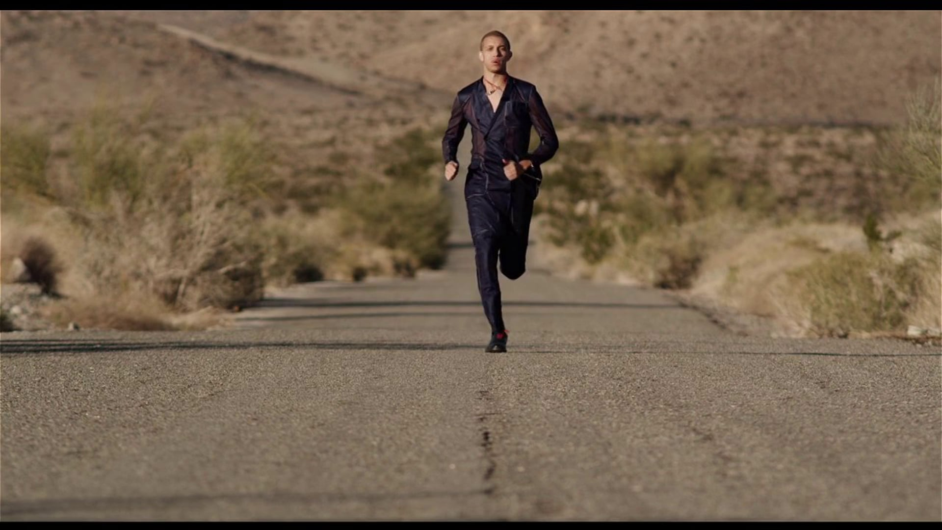 Desert Runner shot for Arena HOMME+