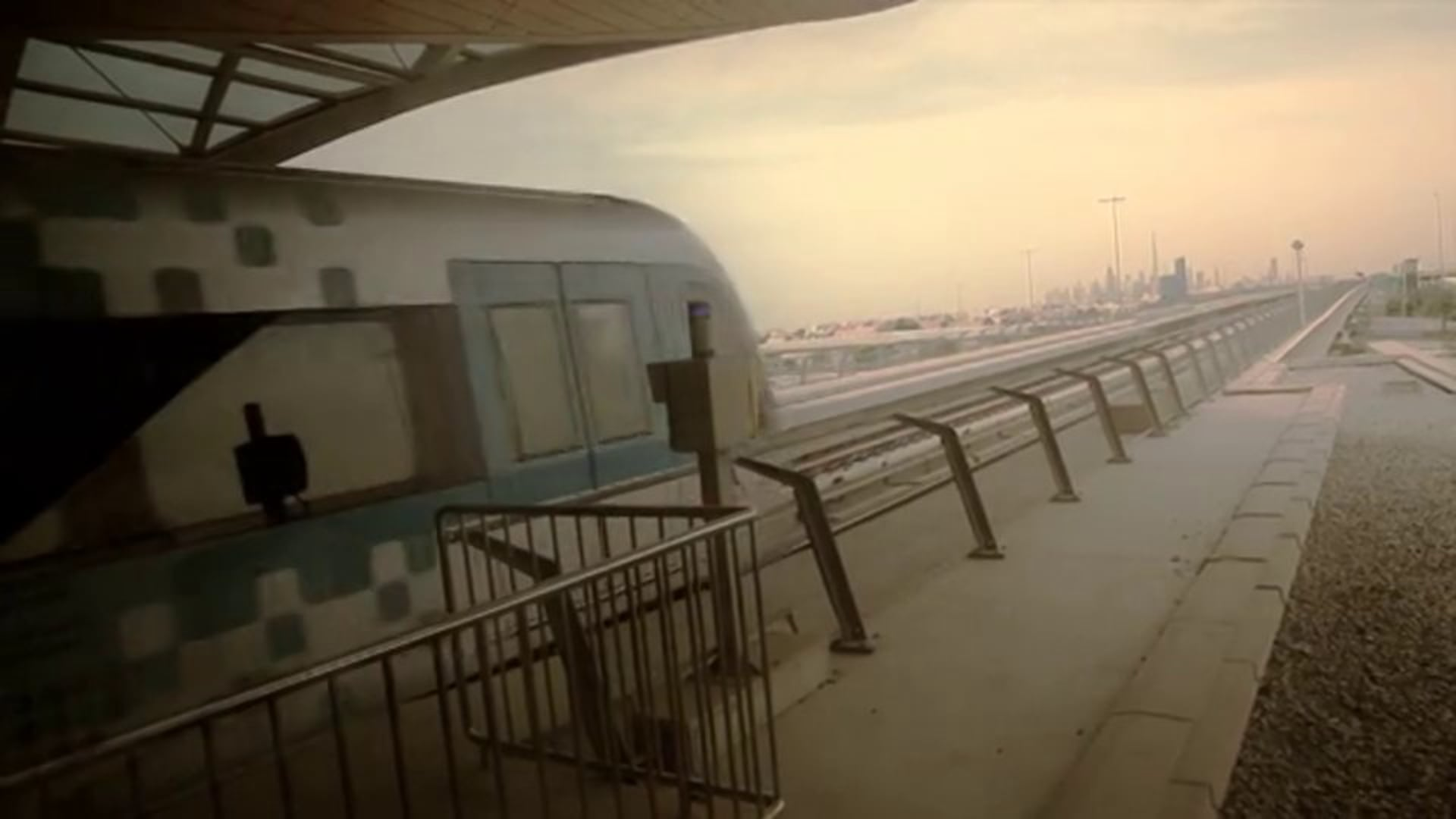 Surprise on Dubai Metro - Viral Video Concept