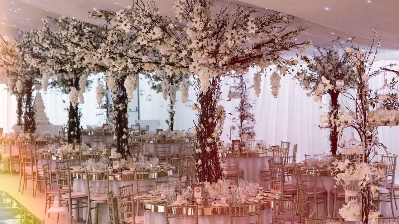 Essential Couture - Wedding & Event Florist (www.essentialcouture.co.uk)