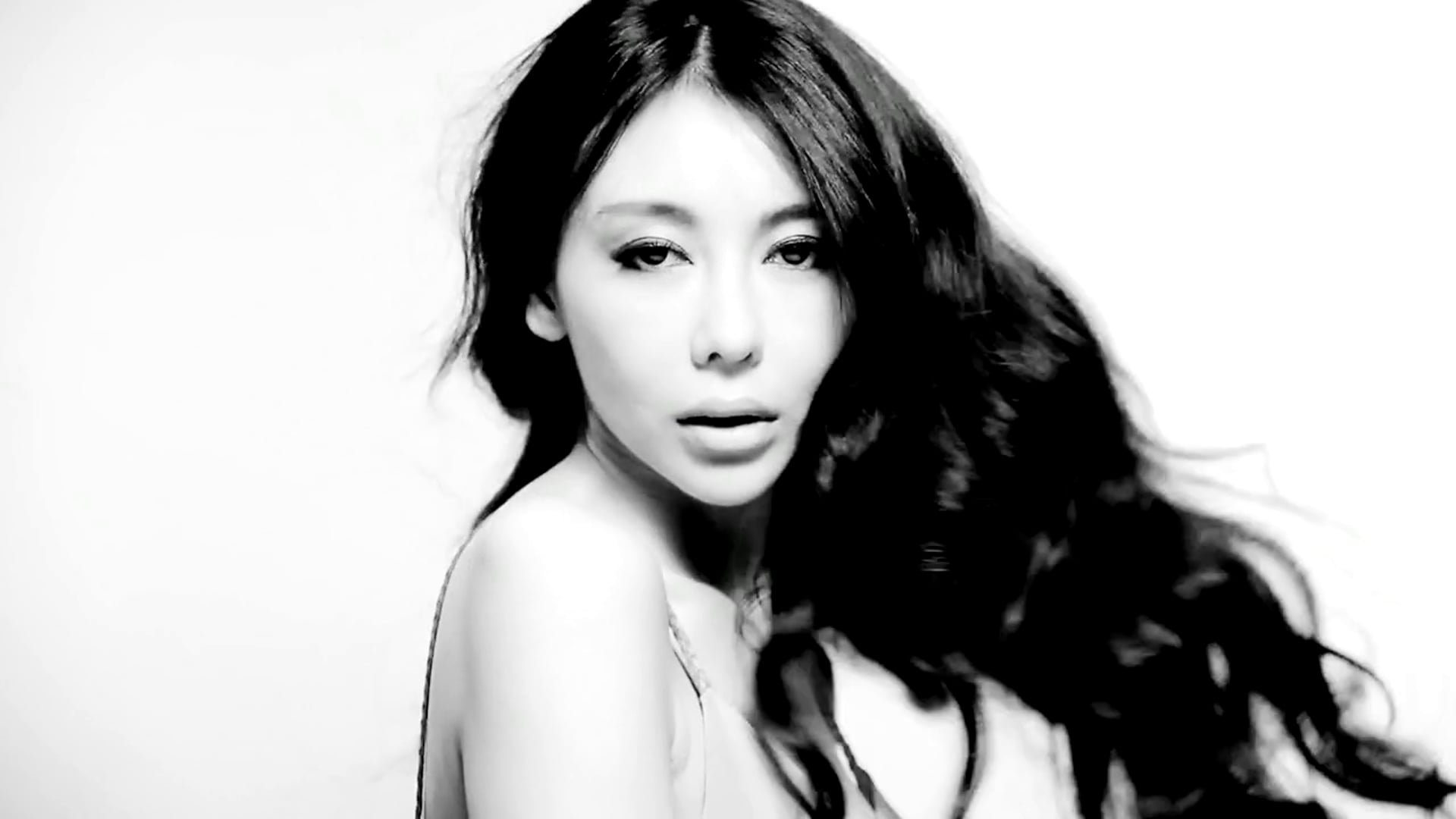 "Miu Miu - ""Don't Hold Me Back"" [Music Video]"
