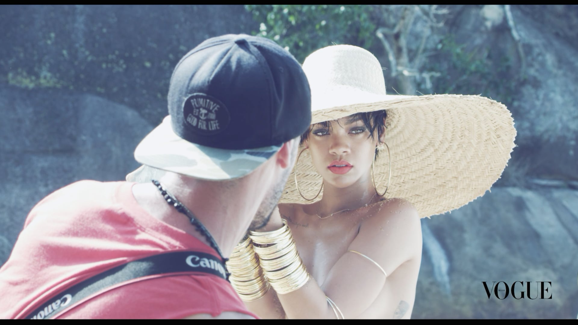 Rihanna x Mariano Vivanco VOGUE Brasil May 2014 (cover shoot bts)