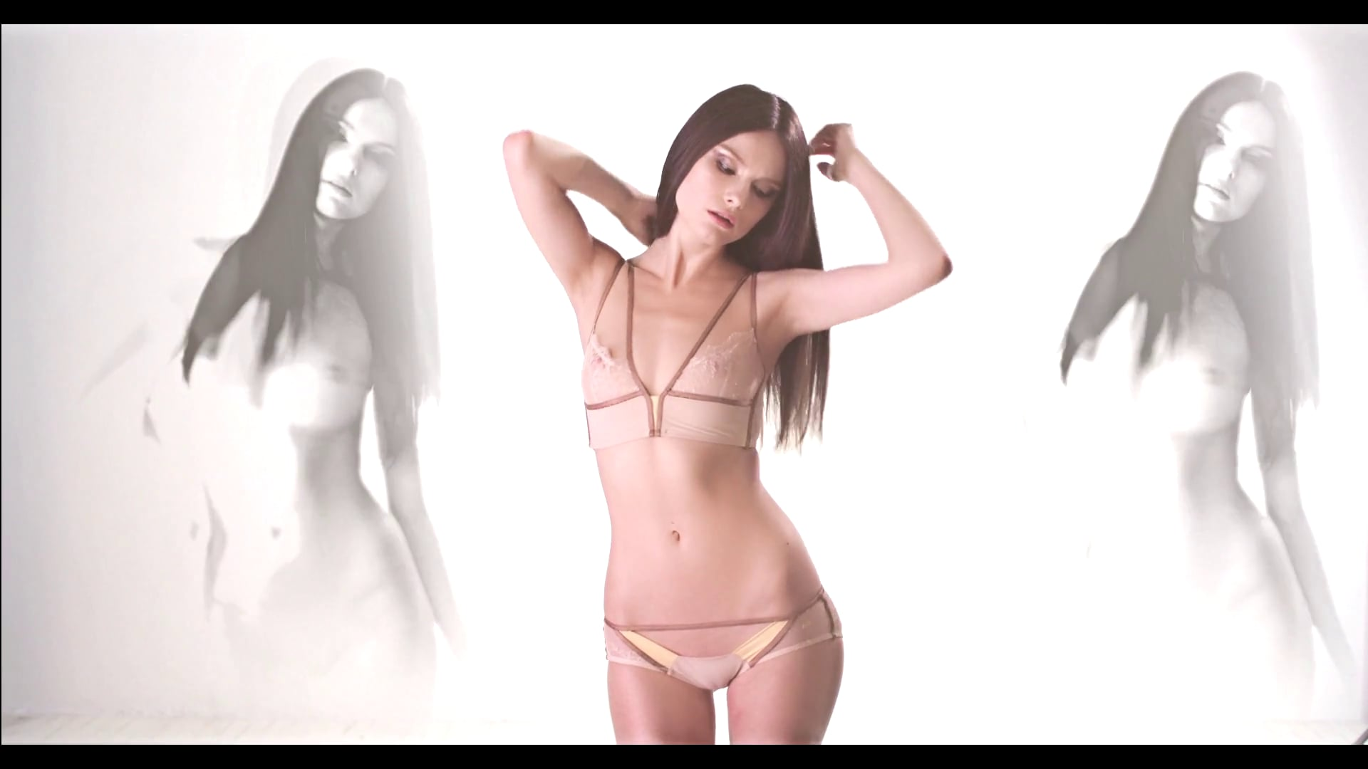 """Cosmogonie Paris - """"Nude Ghost"""""""