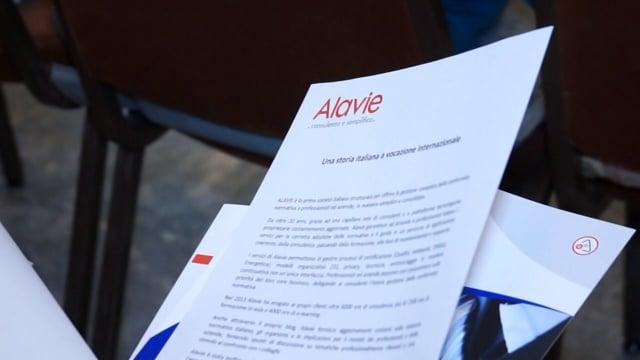 Alavie: teoria e pratica di antiriciclaggio