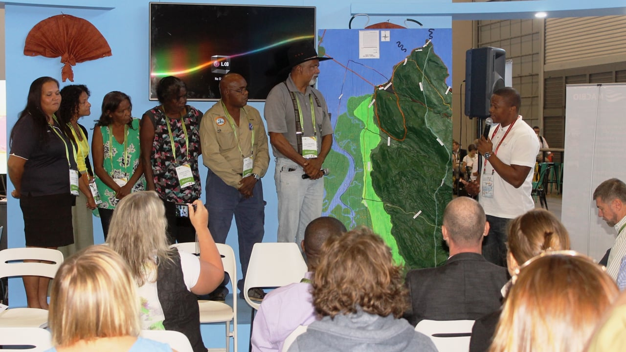 """Moments of recognition: Luvuyo Mandela """"receives"""" Mandingalbay Yidinji Traditional peoples' Participatory 3D Model"""