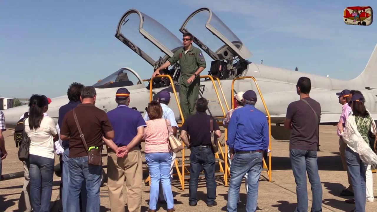 1ª Parte. Visita de Pilotex a la Base Aérea de Talavera la Real.  Por AeroTV.