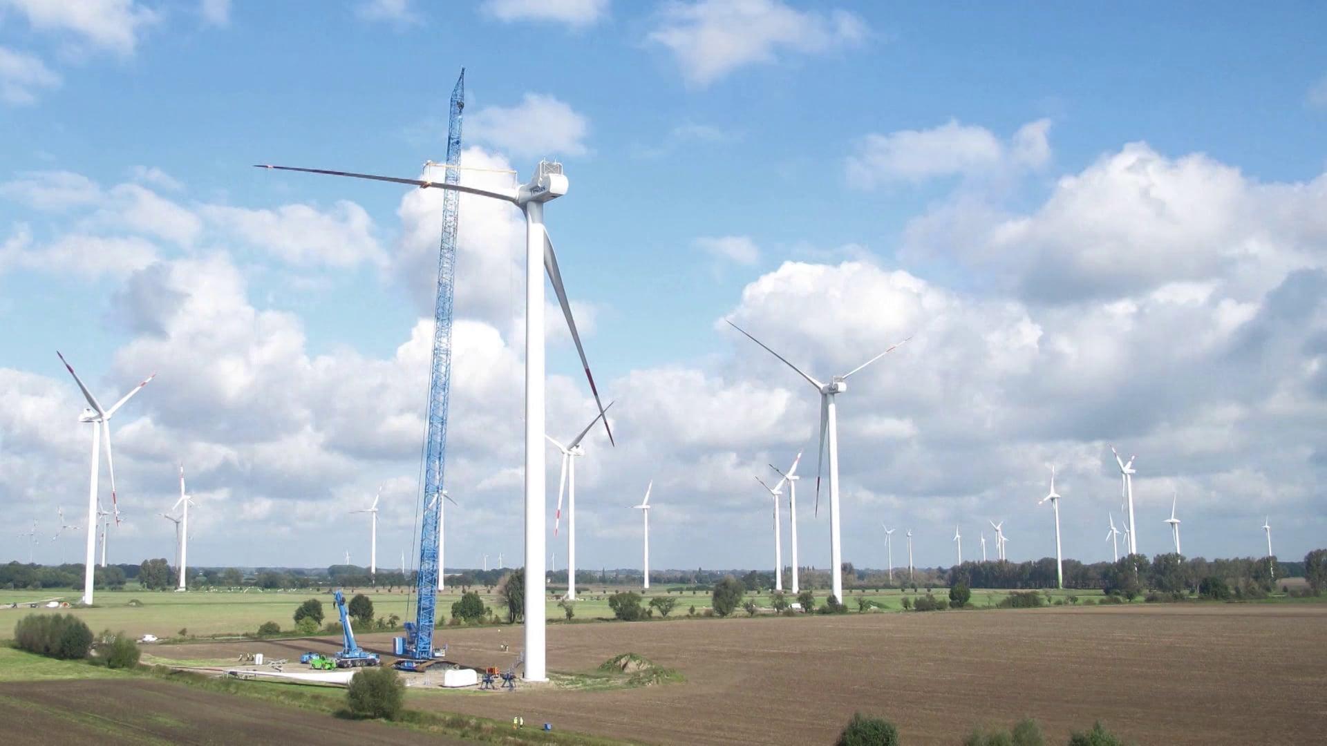 Timelapse of wind turbine installation in Lindtorf