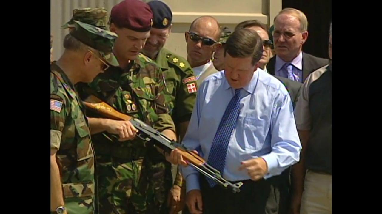 Macedonia Aug 2001 - NATO Chief Assesses Peace Process