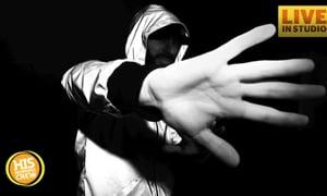 DJ Creates Anti-Paparazzi Clothing