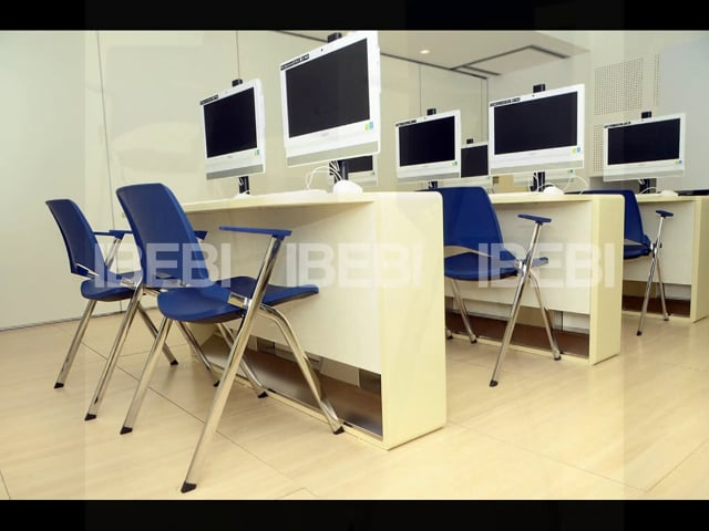 Oplà chairs in a training room in Rome