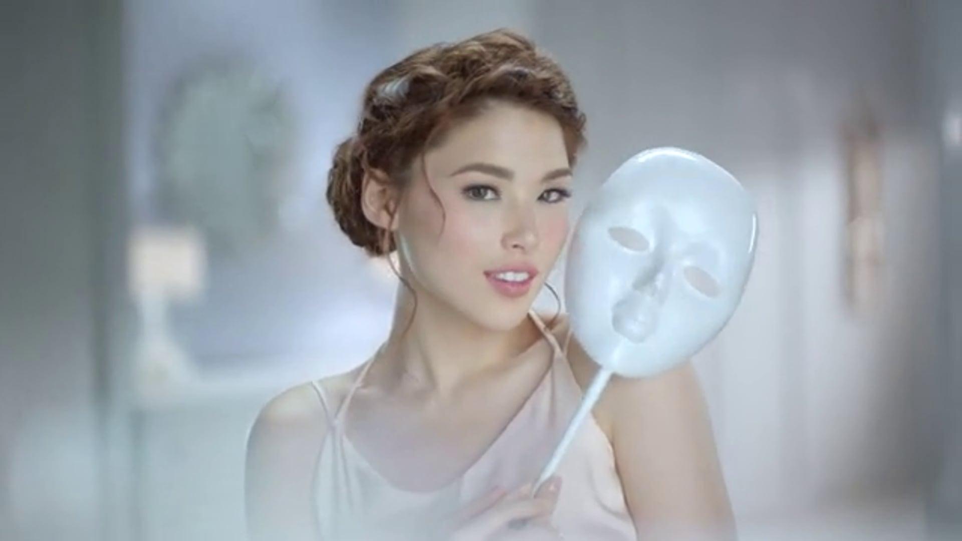 Myra E Facial Wash feat. Kylie Padilla
