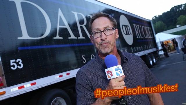 #peopleofmusikfest - #dariusruckersmanager #tourbustour