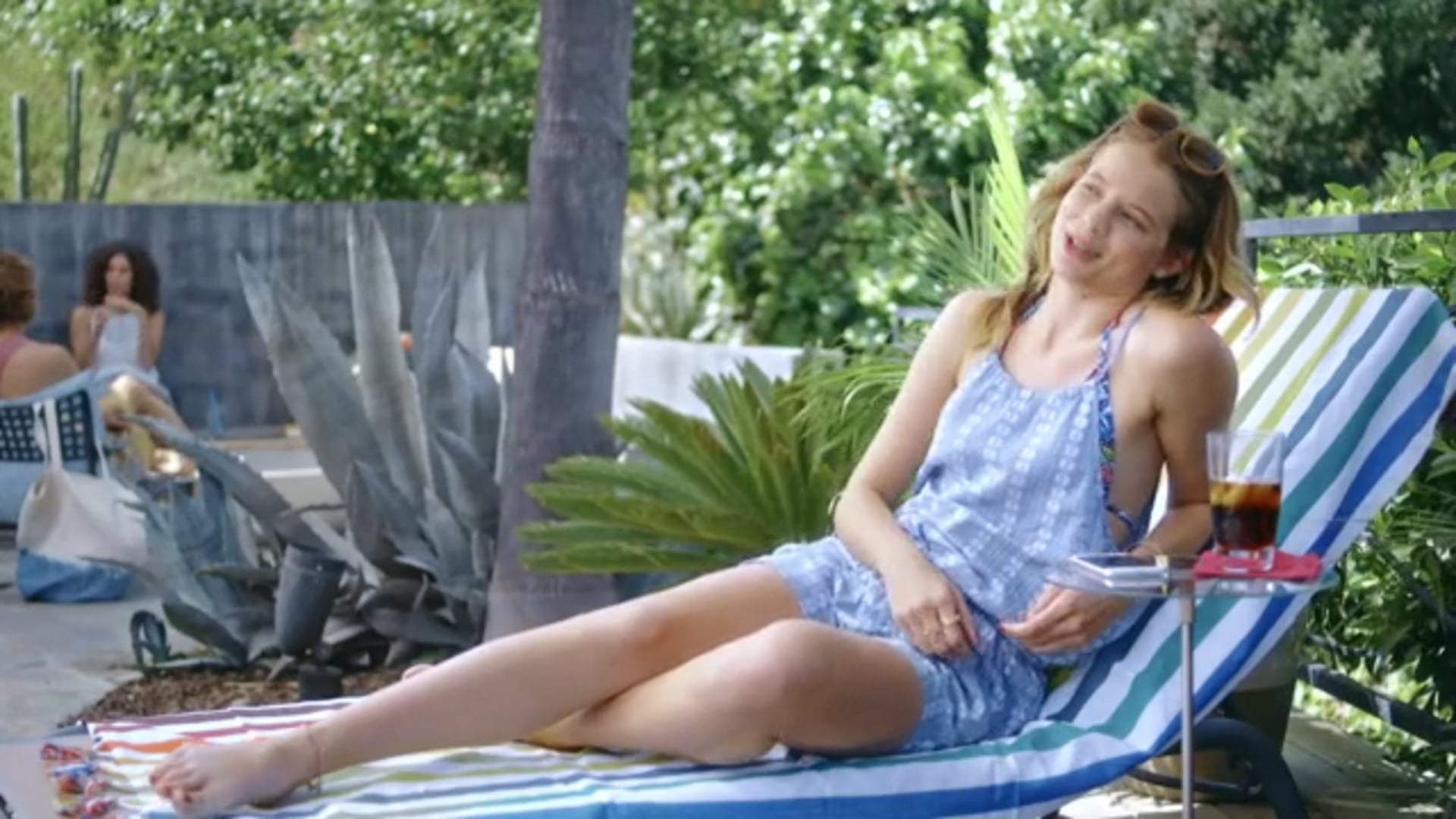 """Samsung Mobile Summer How To Video """"Sunbathing"""""""