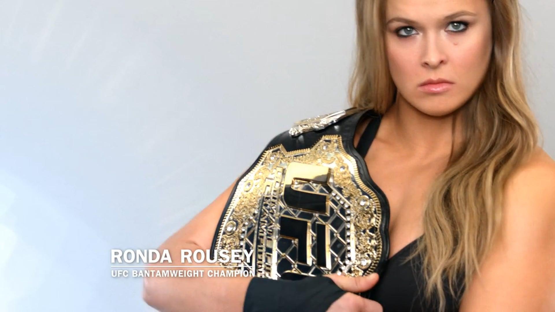 Ronda Rousey -Cinnamon Swirl French Toast Breakfast Sandwich - :30