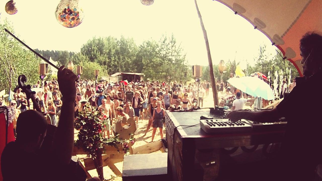 Superdirt² - Drops (Live @ 3000grad Festival)