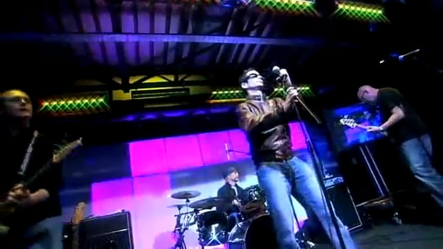 Emap - Jamie White sings 'Dakota'
