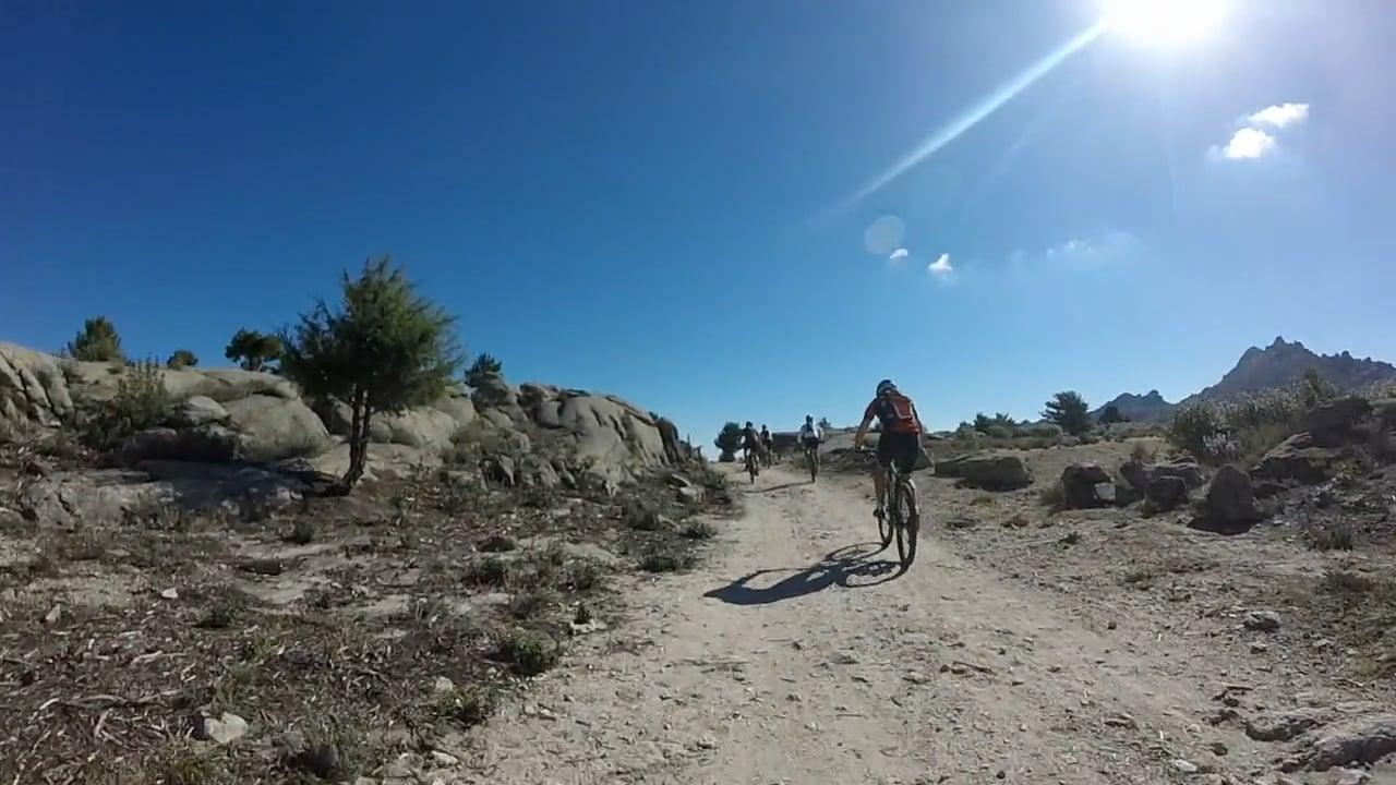 MTB en la sierra de La Cabrera 01 (Bajando el medio Celemín)