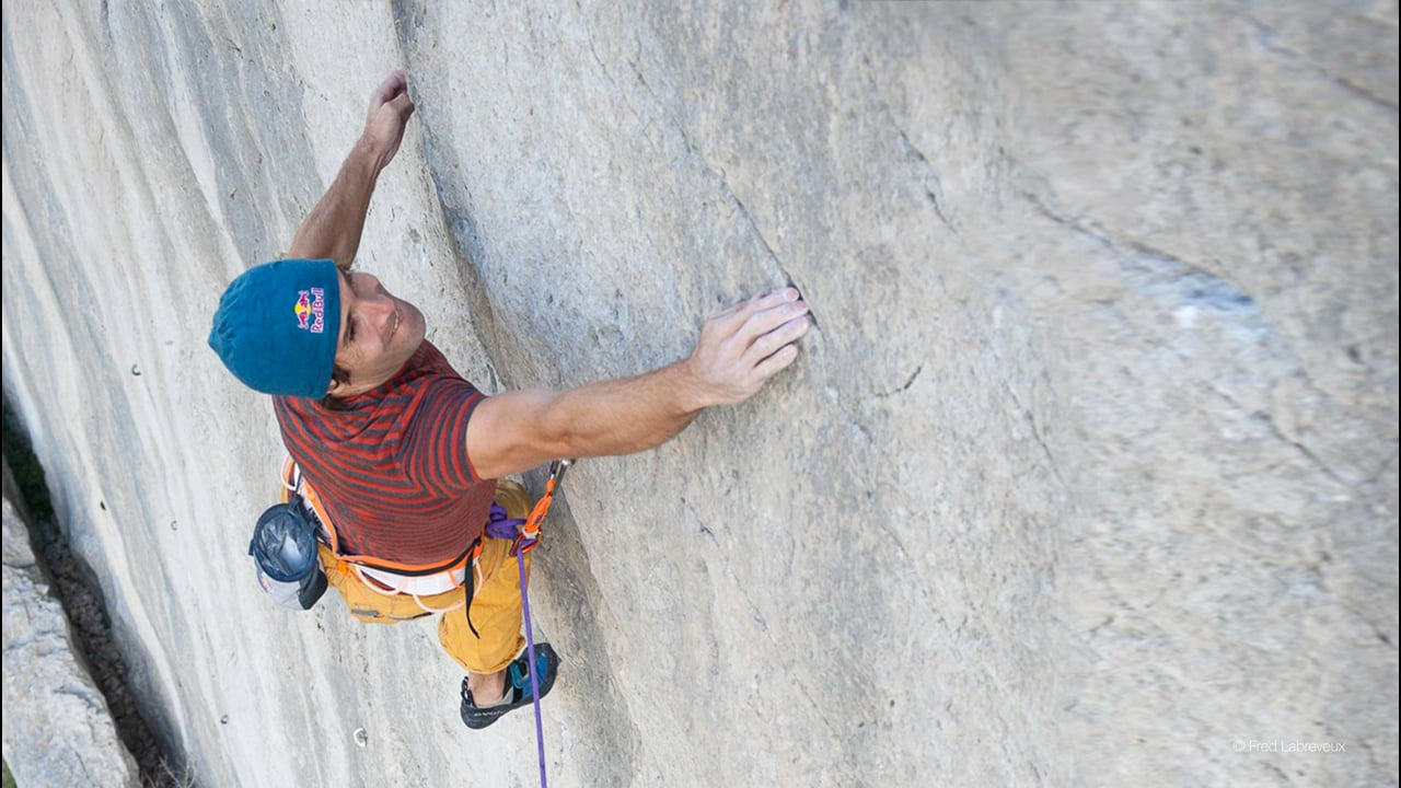 """Chris Sharma goes Back to the Future on """"Magie Blanche"""" (8b+) 1986"""