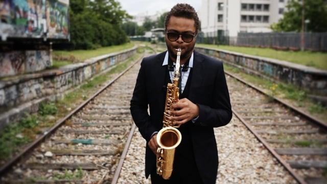 Logan Richardson - solo session around Petite ceinture, Paris.