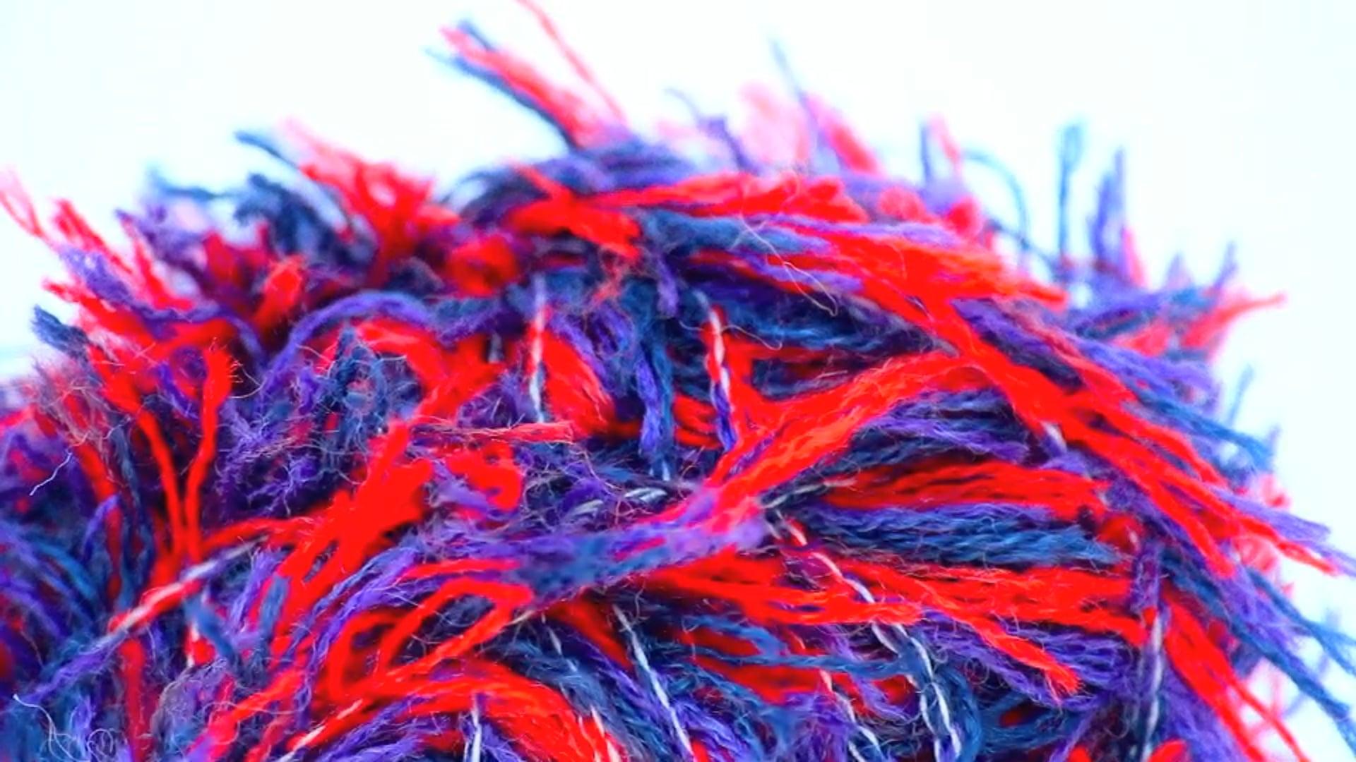 Crucci | Frizzy Wool