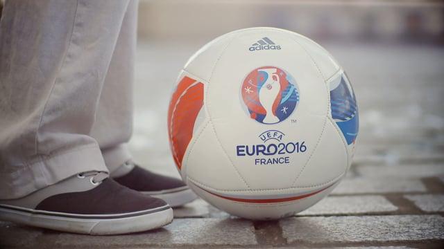 Spot Paris accueille l'UEFA Euro 2016 - Mairie de Paris