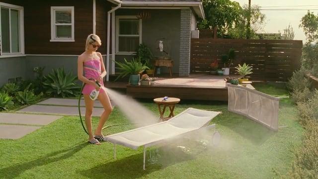 Scotts Outdoor Cleaner 'Lawn Wendy'<br />Director: Daniel Wolfe