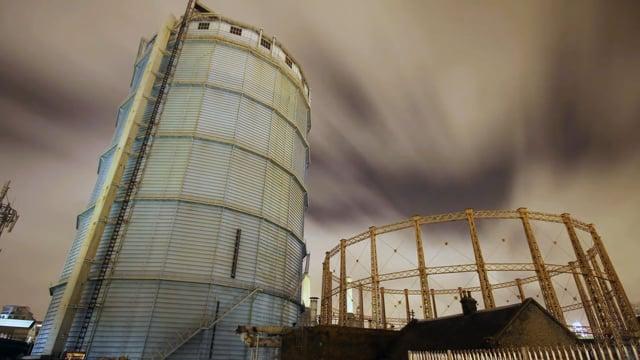 Battersea Gas Holders - Demolition