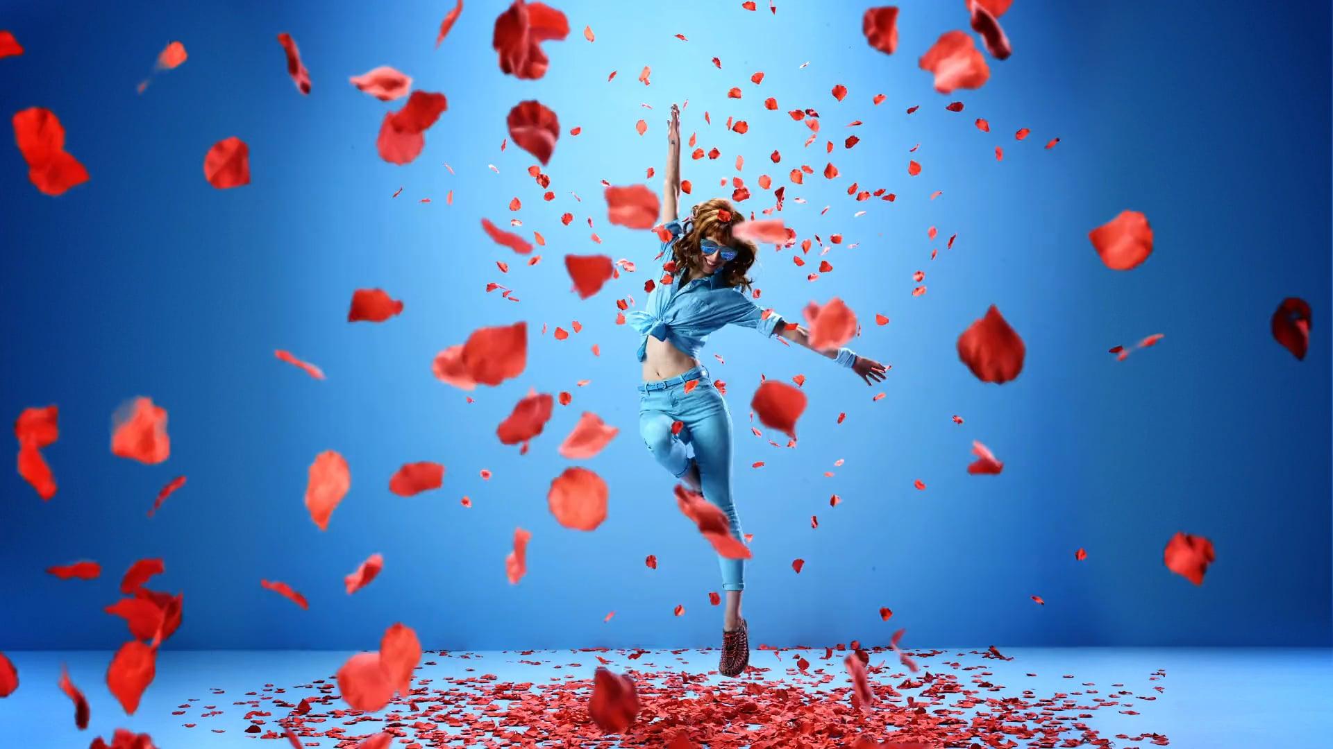 KEEN Dance in the Flowers