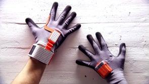 Handschuh mit Hirn
