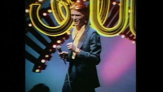 David Bowie - Fame 1975 - Soul Train (remastered)