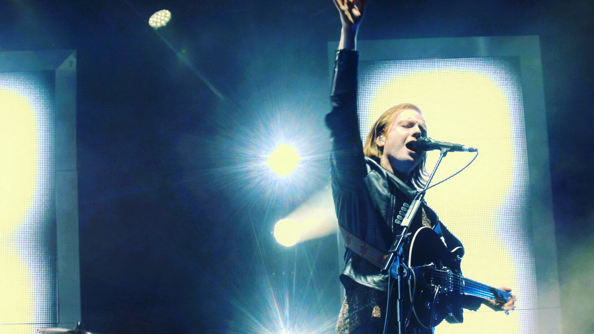 NOS Alive 2016: Walk on stage with Two Door Cinema Club